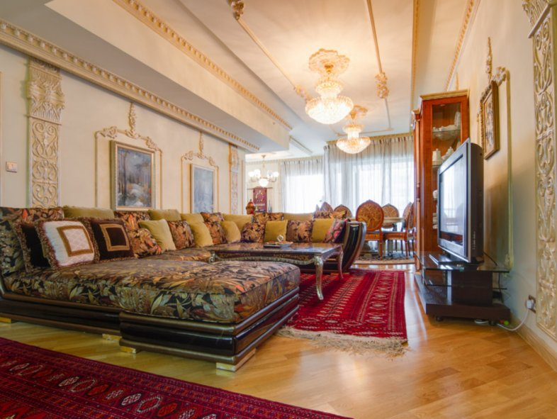 Elegant and luxuriously decorated Apartment in Emaar Six