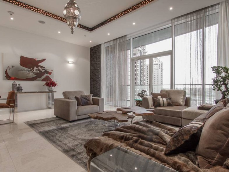 Fantastic upgraded furnished three bedroom Apartment in Tiara Residences