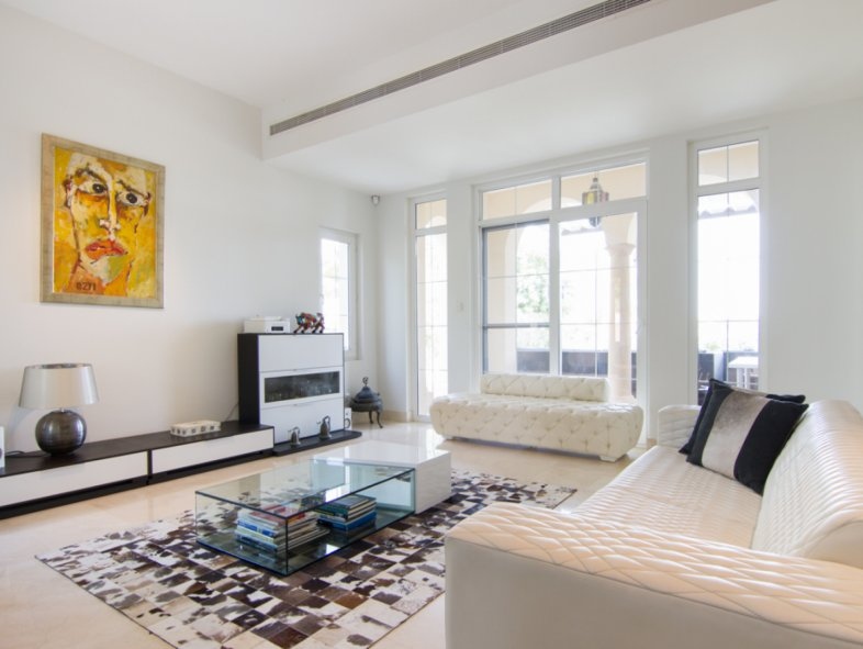 5 bedroom villa for sale in La Avenida Arabian Ranches, Dubai