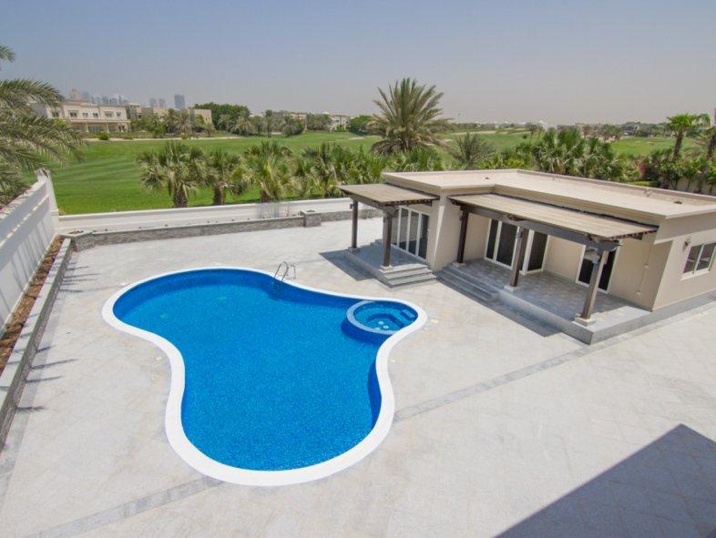 Extravagant golf course villa with lush green views