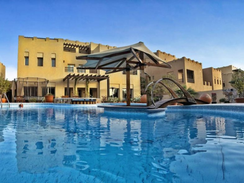 Unavailable Villa in Hattan, The Lakes