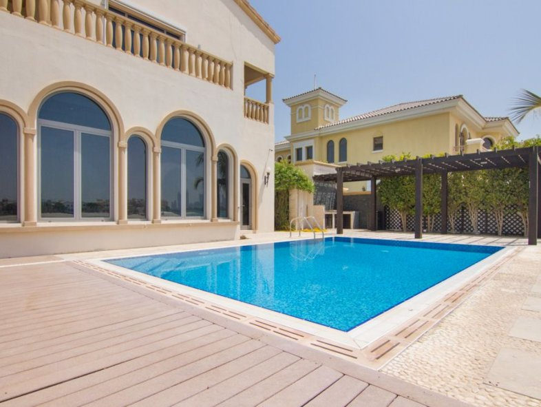 Amazing Villa With Stunning View Palm Jumeirah