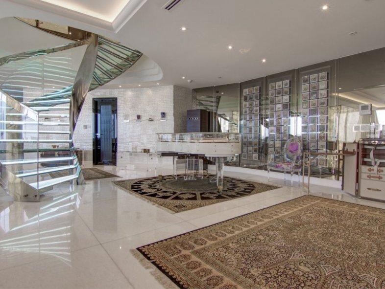 Opulent Duplex Penthouse with Remarkable Views