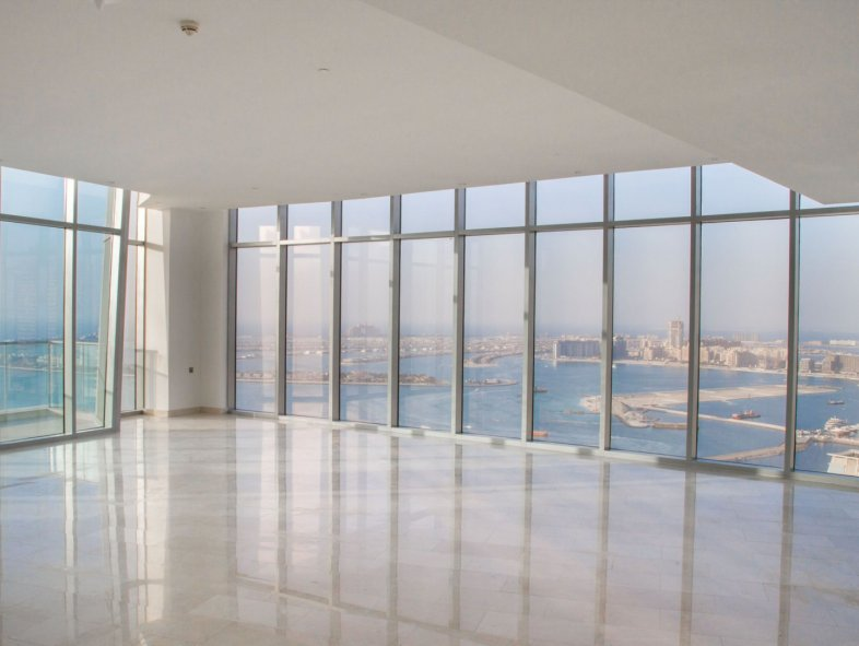 Stunning sea view; penthouse in Trident Grand
