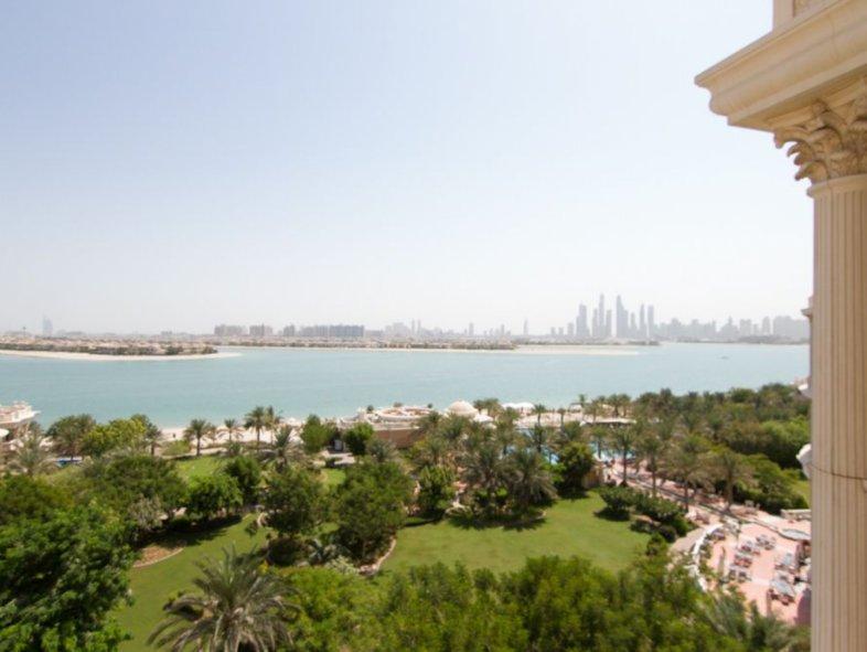 Unavailable Villa in Palm Jumeirah , Dubai