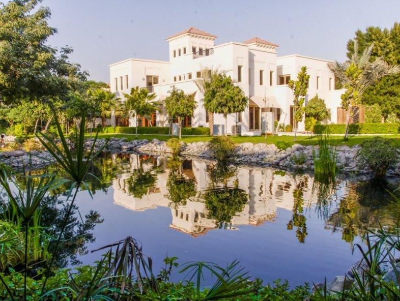 24,000 sq feet for this C13 villa in Al Barari