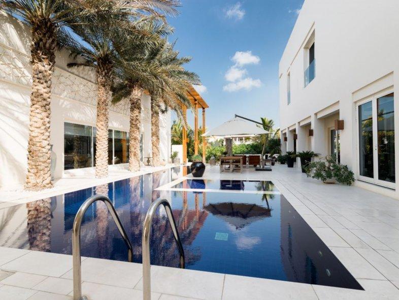 Stunning Contemporary Villa in Emirates Hills