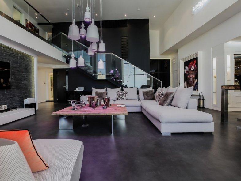 Absolutely Stunning Views - Designer Duplex Loft in JBR