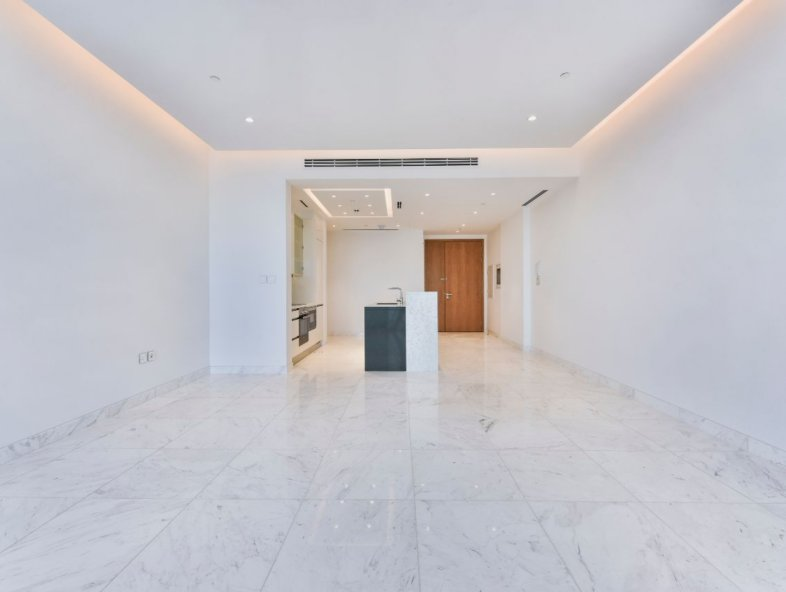 Brand new apartment -contemporary beachfront living