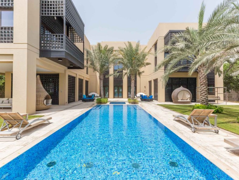 Brand New Grand Modern Arabic Mansion at District One