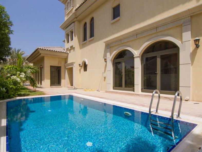 Exclusive 5 bedroom Atrium Villa in Palm Jumeirah
