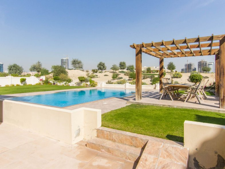 Golf course view B1 Morella 5 bed Victory Heights