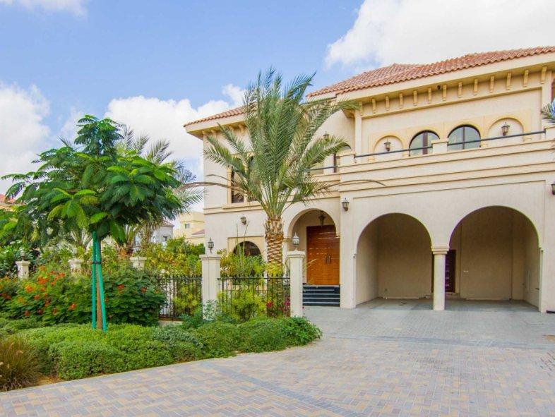 A Beautiful 5 Bedroom Villa at The Villa Project