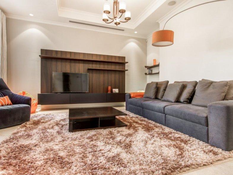 Unavailable Villa in Sienna Lakes, Jumeirah Golf Estates