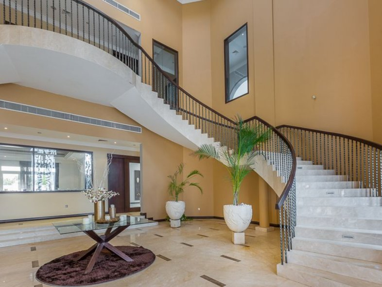 Investment opportunity E sector villa great location
