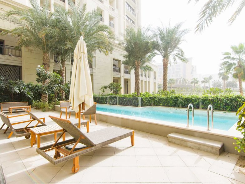 Stunning 4 bed duplex townhouse in Palazzo Versace