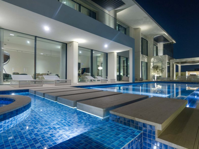 New Modern Villa with Skyline Views at the Palm Jumeirah