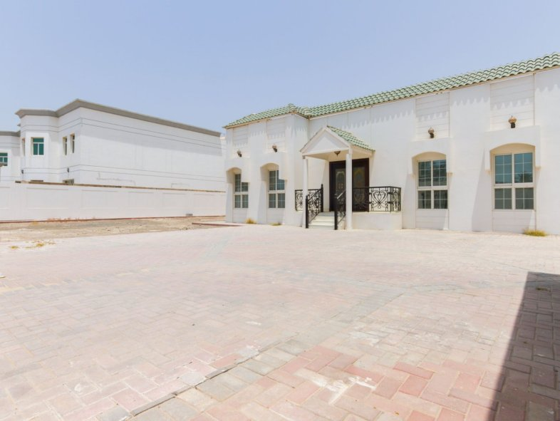 Villa for sale in Jumeirah Third Great Location