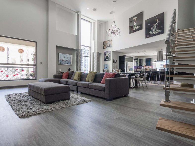 Upgraded 4BR Duplex Loft in Jumeirah Beach Residence
