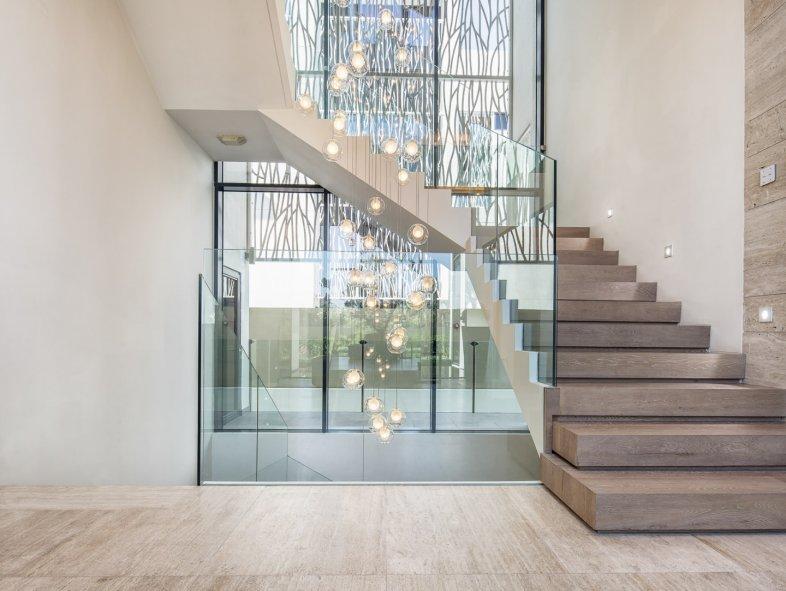 Contemporary Hillside villa in Jumeirah Golf Estates