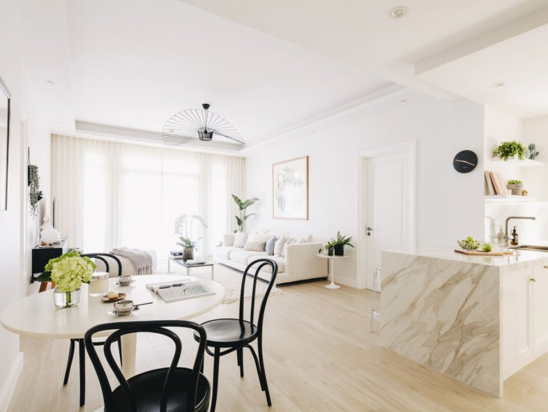 Fully upgraded luxurious 2 bed Reehan 7 Old Town