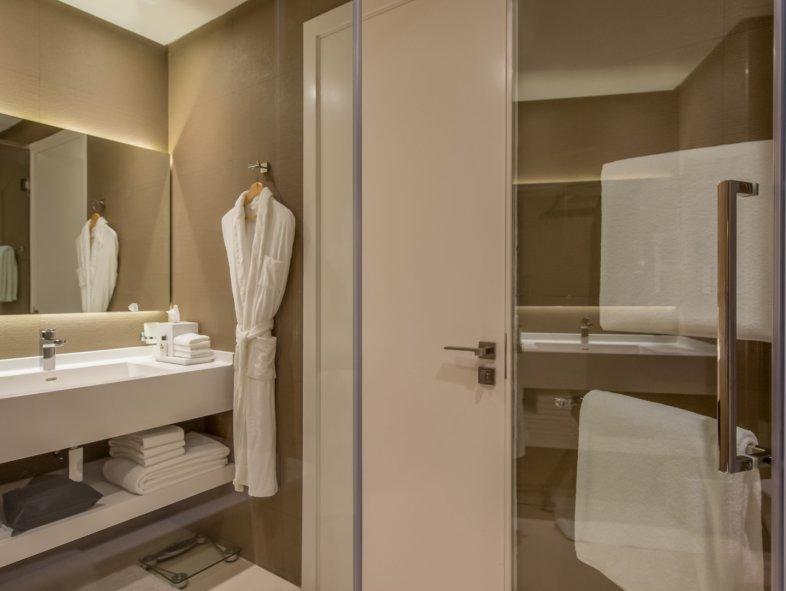 Unavailable Serviced apartment in InterContinental, Dubai Marina