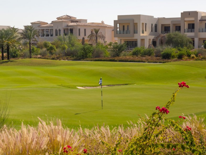 Family villa property on golf course in Fairways I