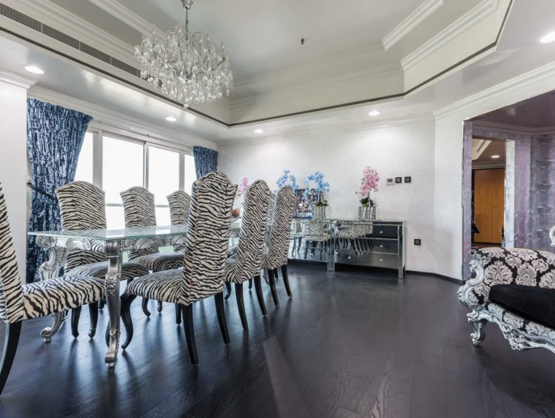 Fully  upgraded  Penthouse  with  Breathtaking views