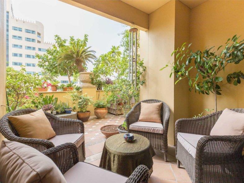 Upgraded 4 BR Duplex Garden Apartment in Shams, JBR
