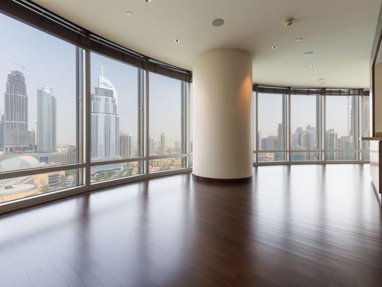Full fountain view 2 bedrooms apartment in Burj Khalifa