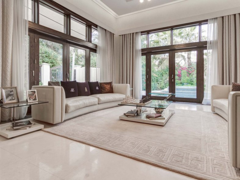 Luxuriously Furnished Dahlia Villa in Al Barari For Rent