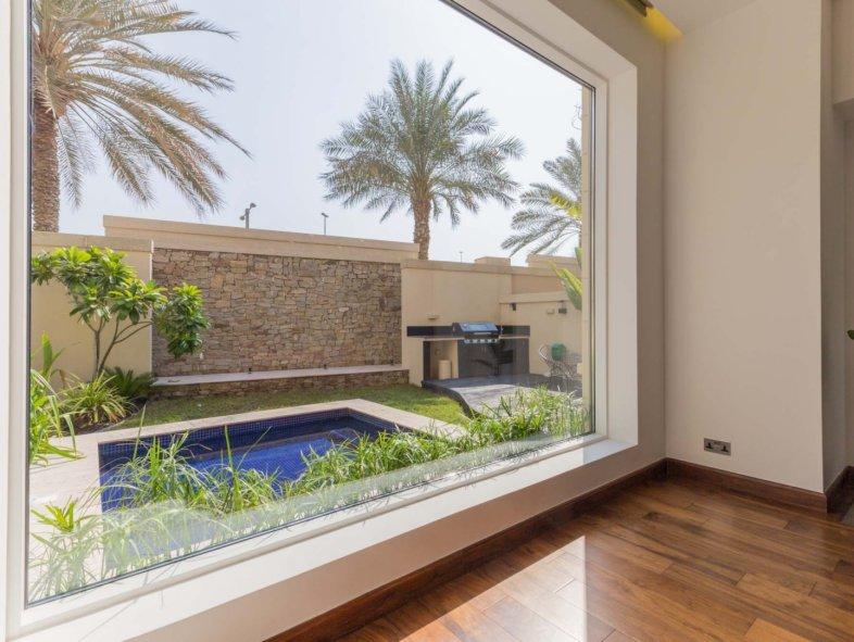 Fully Upgraded 3 Bedroom Villa in Dubai Marina