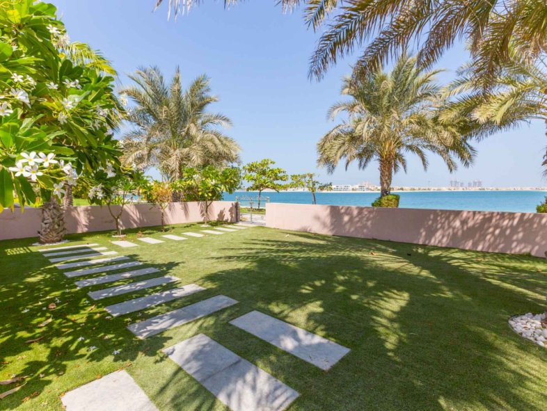 Villa available for sale in Grandeur Residences, Palm Jumeirah