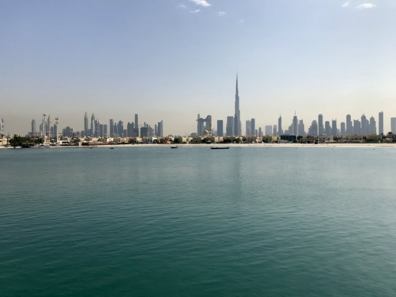 VILLA AMALFI - 5 Bed with Full View of Burj Al Arab