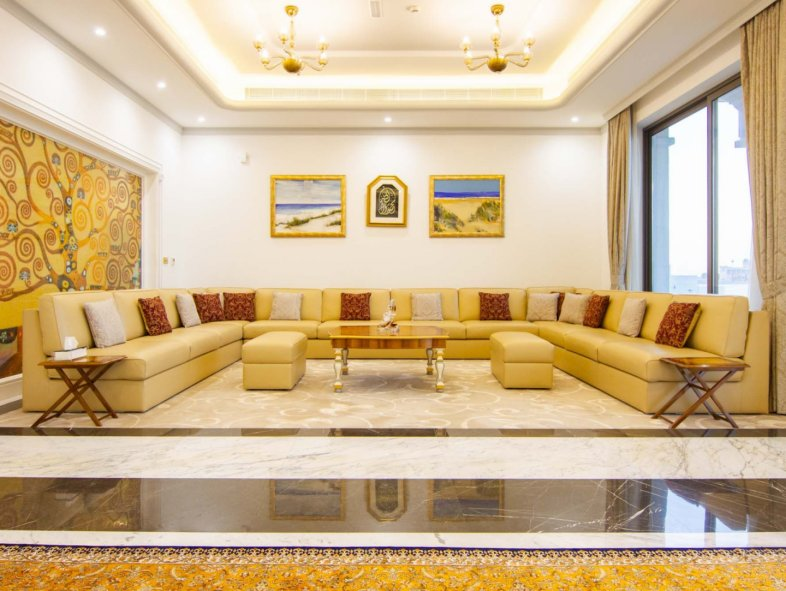 Palatial 7-bedroom Villa on Most Luxurious Waterfront