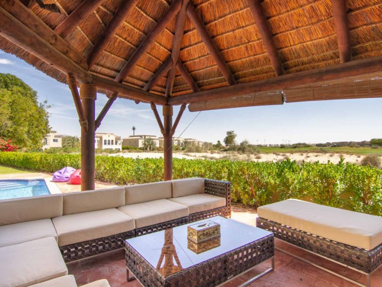 Exquisitely upgraded  villa at the Golf Course