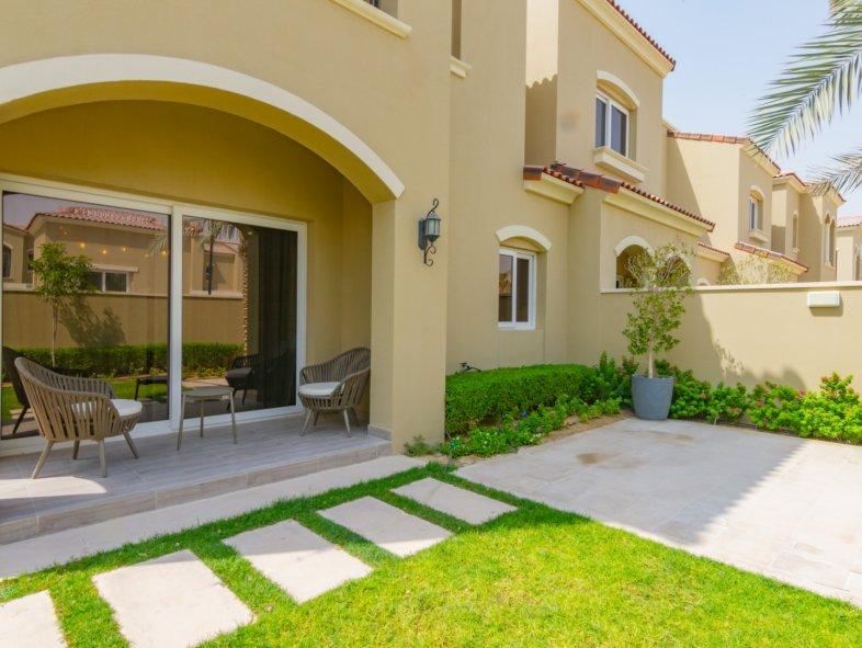 Unavailable Semi-detached townhouse in Serena, Dubai Land