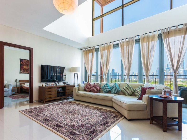 Unavailable Penthouse in Panorama, The Views