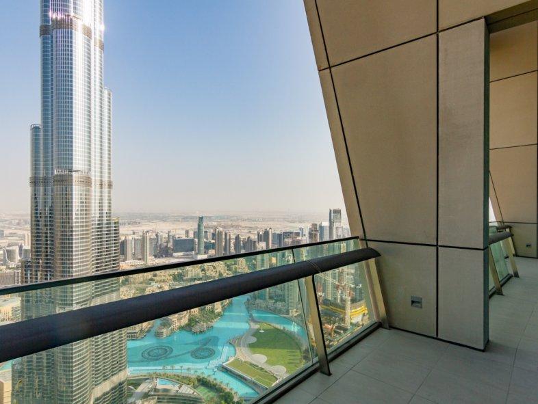 Unavailable Attached townhouse in Burj Vista, Downtown Dubai
