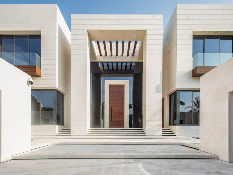 Exquisite 7 Bedroom Jumeirah Mansion For Sale