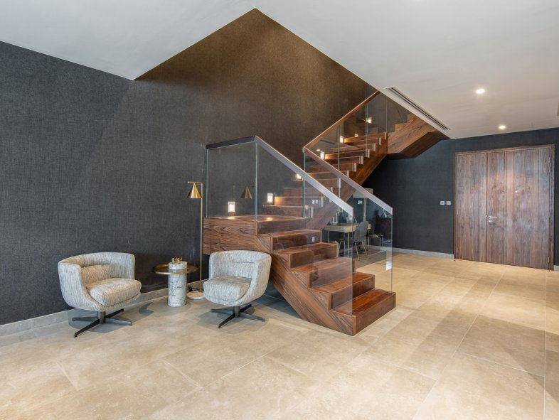 Villa available for sale in Marina Gate, Dubai Marina