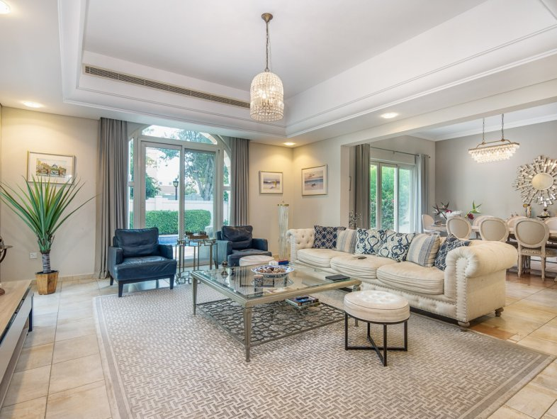 Furnished Villa park views and pool in Victory Heights