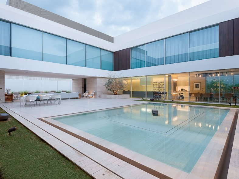 Unavailable Villa in Jumeirah, Jumeirah