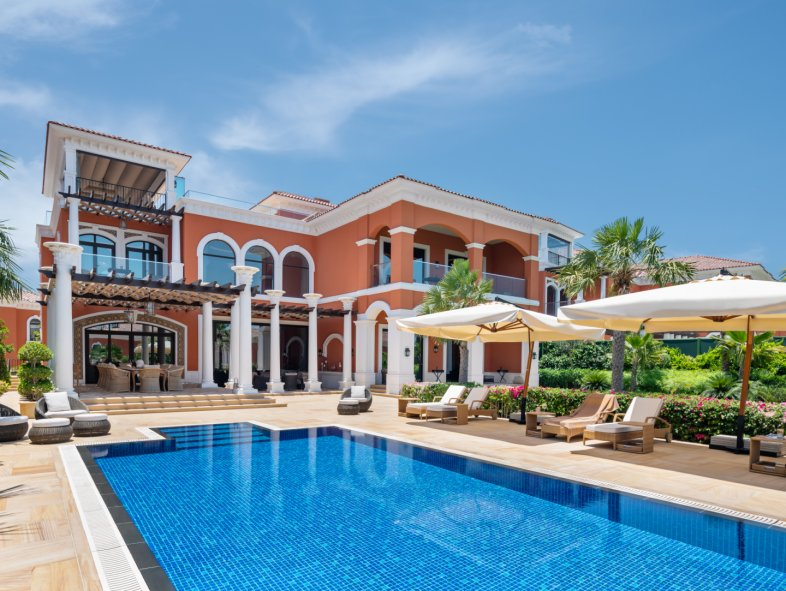 Villa available for sale in XXII Carat Club Villas, Palm Jumeirah
