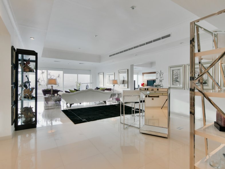 Penthouse available for sale in Emirates Crown, Dubai Marina