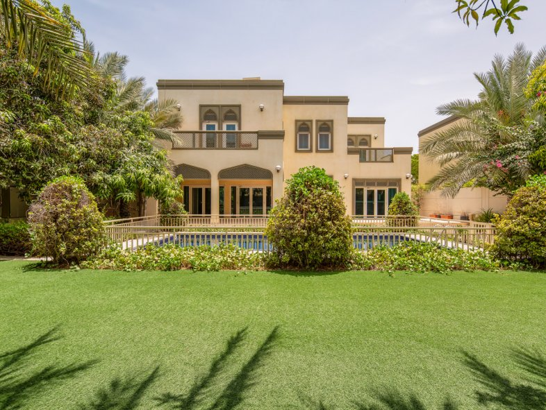 Unavailable Villa in Regional, Jumeirah Park
