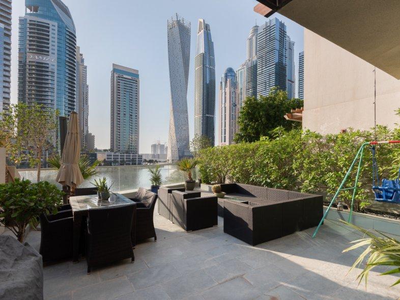 Unavailable Villa in Marinascape, Dubai Marina