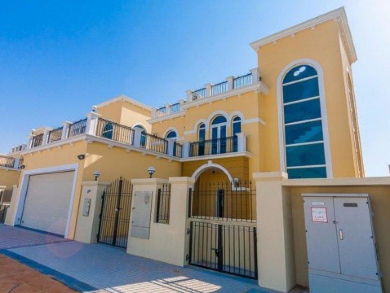 Unavailable Villa in Legacy Nova Villas, Jumeirah Park