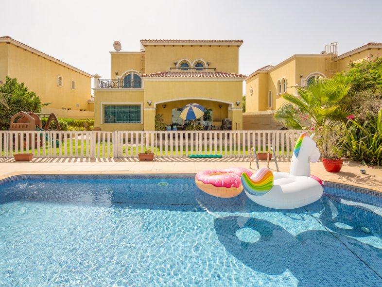 Unavailable Villa in Legacy, Jumeirah Park