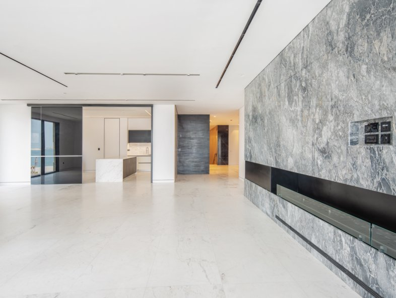 Unavailable Attached townhouse in Palme Couture, Palm Jumeirah